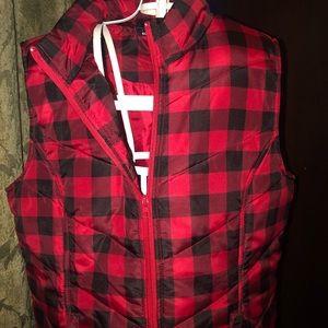 Women's Puffer Vest. Medium